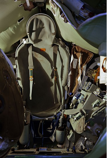 Adam Bartos, Kosmos: Interior, Soyuz Descent Module, Moscow 1995-99, Digital chromogenic print