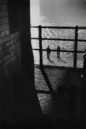 Ferenc Berko, Underneath Tower Bridge, London 1937, Vintage gelatin silver print