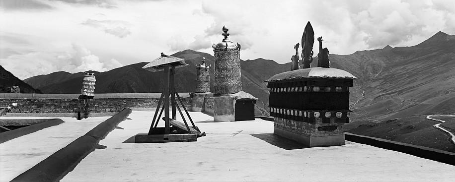 Lois Conner, Ganden Monastery, Tagtse County, Tibet 2004, Platinum print