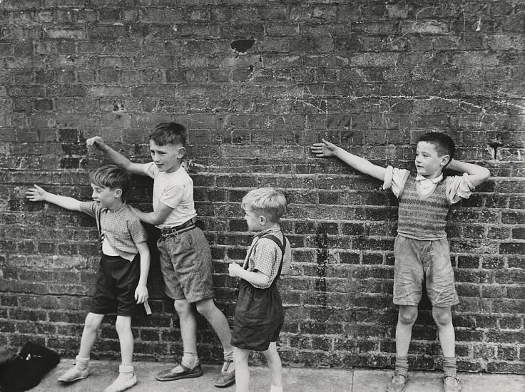 Roger Mayne, Boys Against a Wall, Dublin 1957, Vintage gelatin silver print