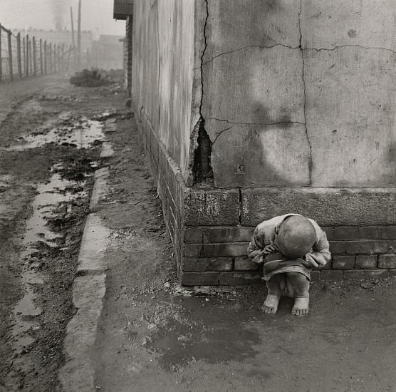 Josef Breitenbach, Korean War Orphan 1953, Vintage gelatin silver print