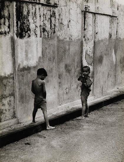 Ferenc Berko, Bombay Suburb 1938-42, Vintage gelatin silver print