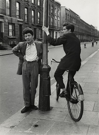 Roger Mayne, Southam Street, North Kensington, London 1956, Vintage gelatin silver print